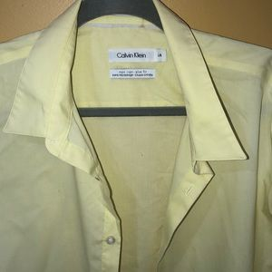 Men's Calvin Klein Large slighlty used dress shirt